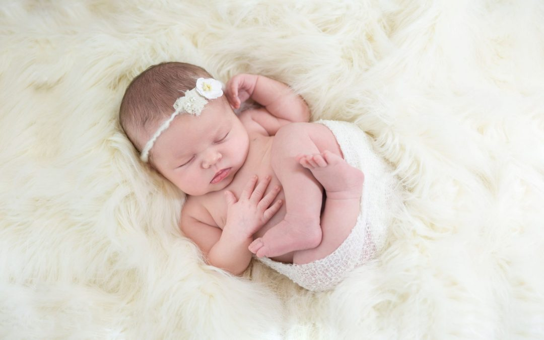 Timing is everything: When to schedule your newborn photography studio session