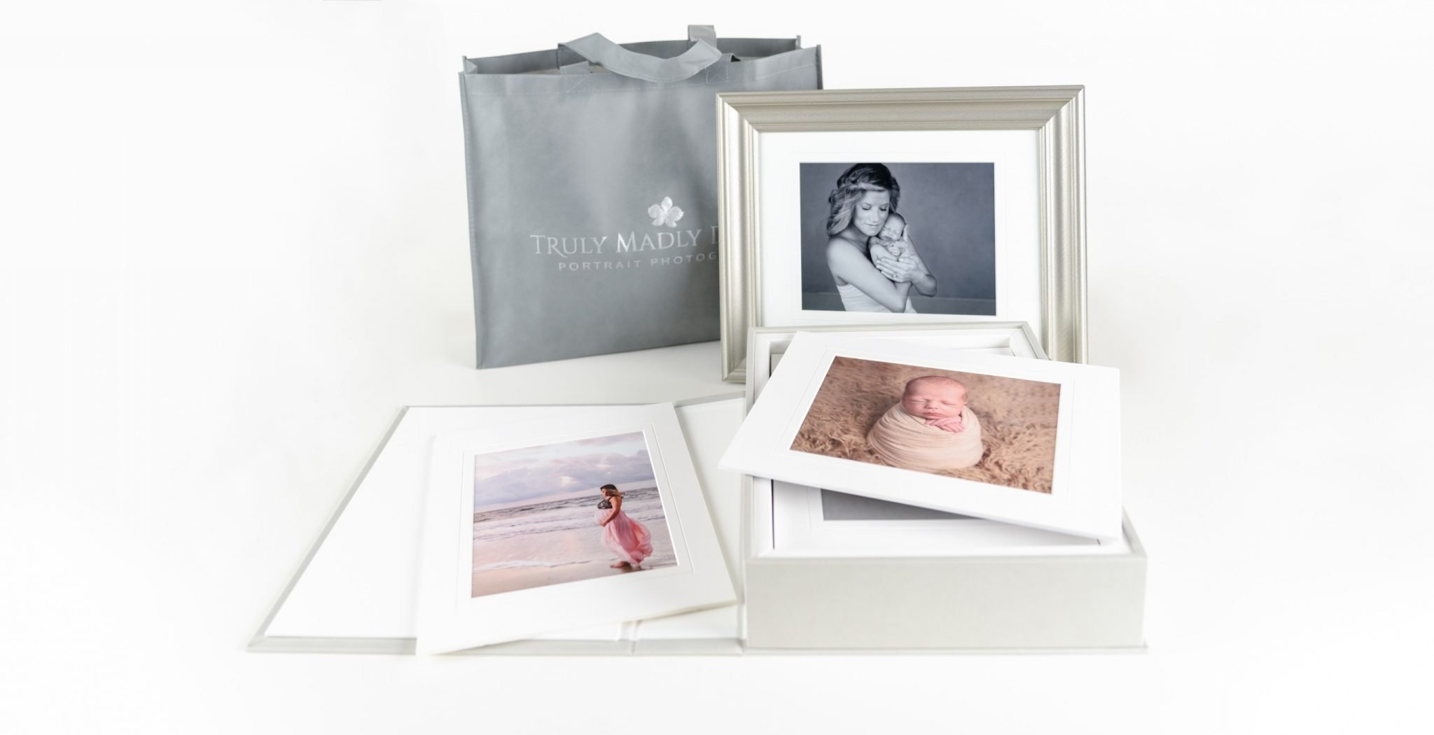 Truly Madly Deeply portrait, maternity and newborn photography offers exclusive Lindeza Portrait Collections - wide background image of Lindeza collection https://tmd.photo